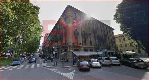 Помещение с рестораном в центре Милана, Италия - Фото 1