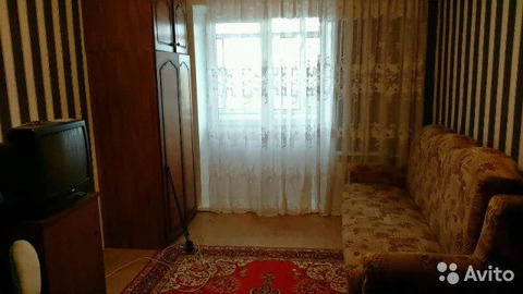 Комната 13.5 м в 4-к, 5/5 эт. - Фото 1