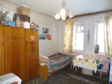 П.Пригородный Гатчина комната 16,8 кв.м.в малонаселенной 3 к.кв. - Фото 1