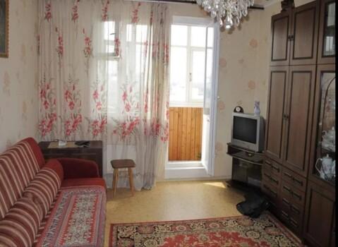 Сдаю комнату в двухкомнатной квартире. Есть вся необходимая мебель и ., Снять комнату в Ярославле, ID объекта - 701064204 - Фото 1