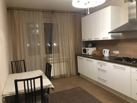 1-комнатная квартира 48 кв.м. 2/9 на ул. Чистопольская, д.68 - Фото 1
