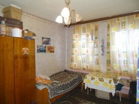 П.Пригородный Гатчина комната 16,8 кв.м.в малонаселенной 3 к.кв. - Фото 2