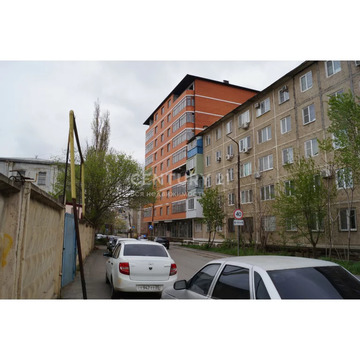Продажа 1-к квартиры по ул. Комарова д.10, 52 м2, 2/9 эт. - Фото 3
